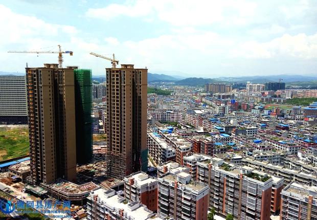 项目雄踞于县城城西核心位置,紧靠汽车总站,南临秀美资江,北接九龙路